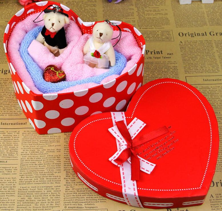 Heart Box Packed Cake Towel As A Wedding Gift